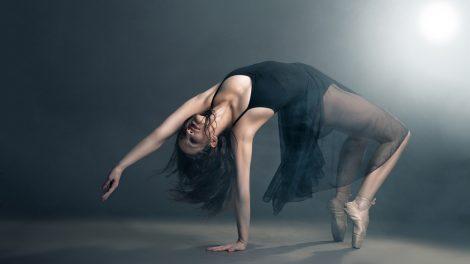 contemporary-dancer image